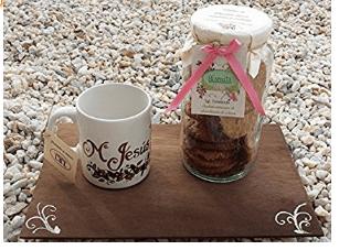 Taza y galletas personalizados